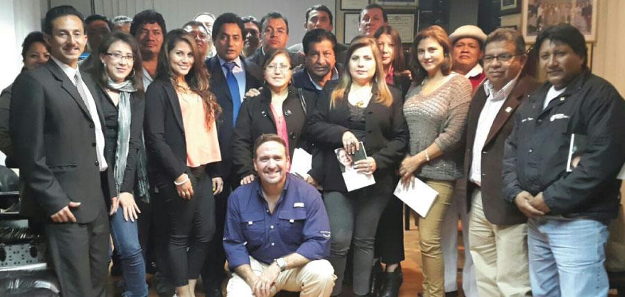 Movimiento CREO trabaja y recorre la provincia de Tungurahua