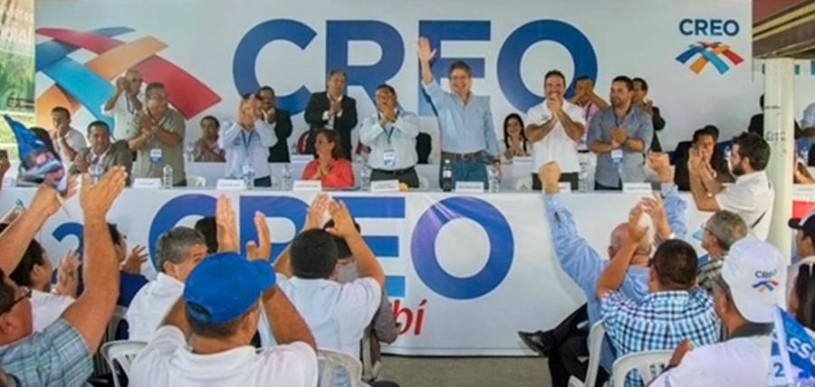 Lasso posesionó directivas de CREO en Manta