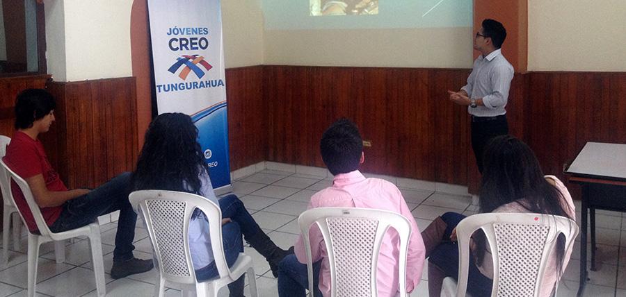 Taller Jóvenes CREO Tungurahua sobre los deberes y derechos de los jóvenes
