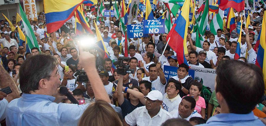 Guillermo Lasso protagoniza multitudinaria marcha en Portoviejo
