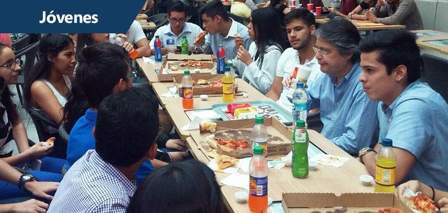 Jóvenes  compartieron almuerzo con Guillermo Lasso en Guayaquil